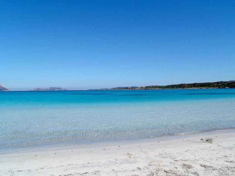 Sardinien unterkunft sardinien porto istana ferienhaus for Sardinien ferienhaus am strand